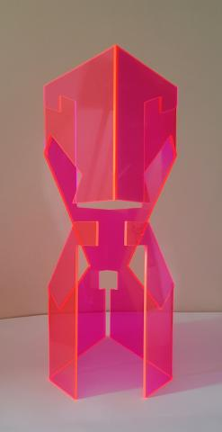 Transparent pink structure opened by a diagonal